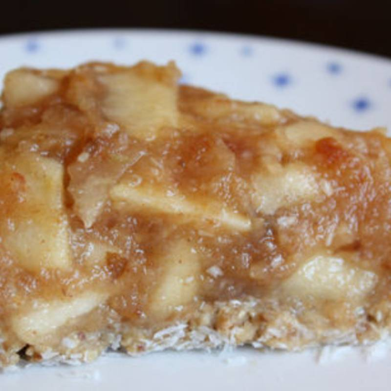Raw Apple Date Pie